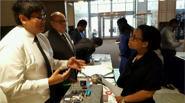 NAVAJO TECHNICAL UNIVERSITY STUDENTS PRESENT PROJECTS